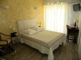 chambre double -côté village-lit 160cm
