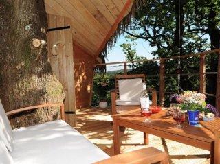 Cabane des girolles terrasse