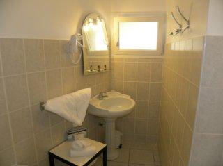 chambre double supérieure vue salle de bain