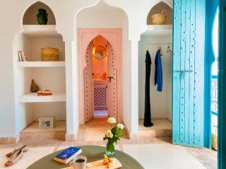 accès salle d'eau riad chamali medina marrakech maroc