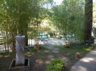 La grande terrasse du jardin