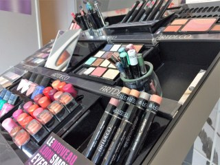 MAQUILLAGE, MANUCURE