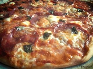 pizza pizzeria a emporter livraison gratuite La penne-sur-Huveaune sauce tomate