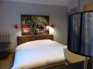 Lit double-chambre-Hotel Le cochon d'or-Beuzeville-Honfleur