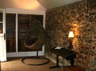 le pressoir -double room- moulin de lonçeux-bed and breakfast-chilling area