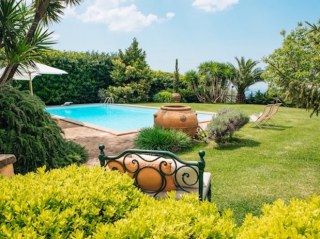 piscina castello santa margherita