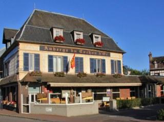 Fasade-hotel-restaurant-cochon-dor