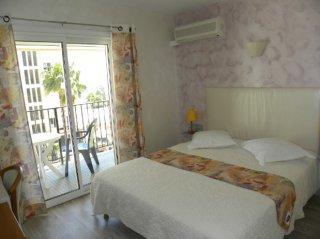 chambre double coté mer avec vue balcon