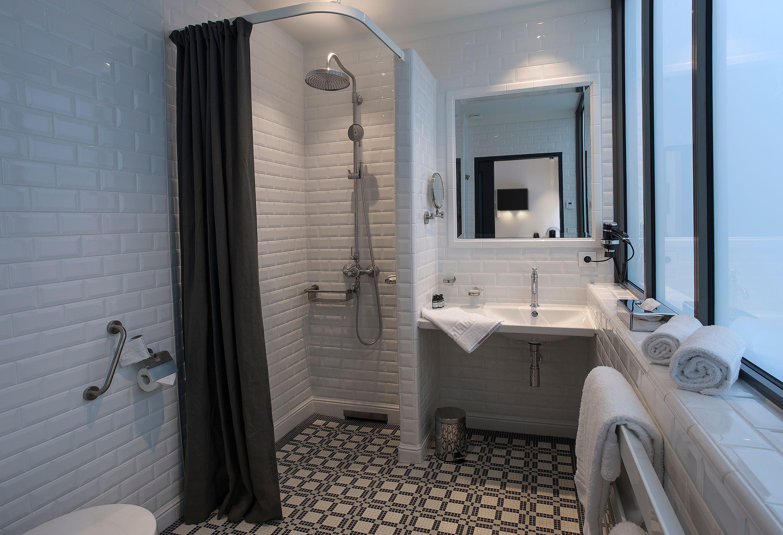 appart-hotel-angouleme-studio-cote-cour-salle-de-bain