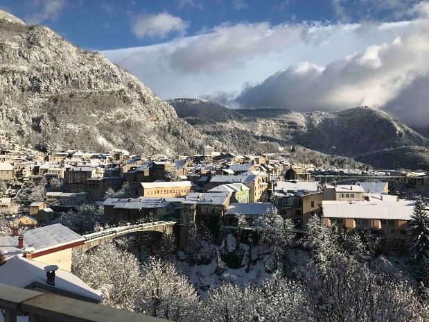 gite-groupe-jura-hiver-saint-claude
