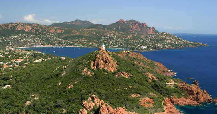Le sémaphore sur le Cap du Dramont  ( à 5mn de la #chambres #d'hotes & #location de #vacances #LaPotinière)