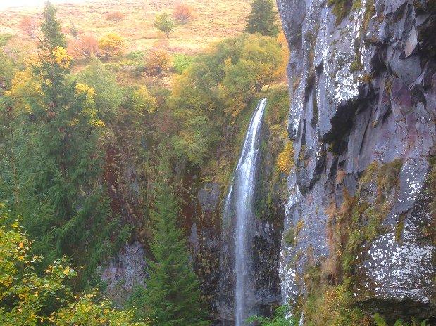 camping poutie - cascades - montagne - randonnées - auvergne - mont dore