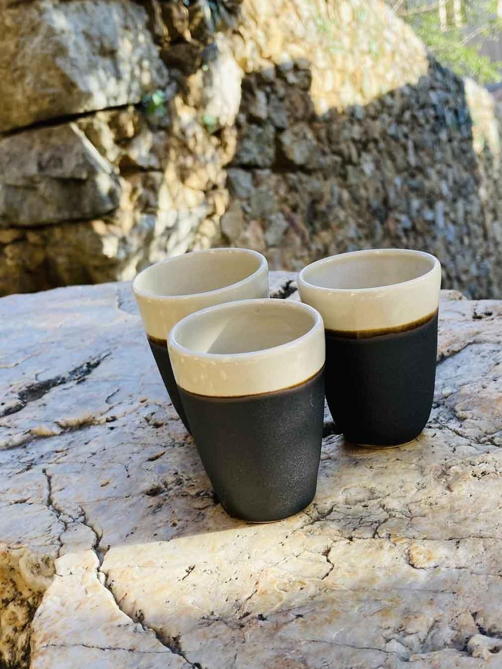 39-Tasse-café-noire-blanc-cone