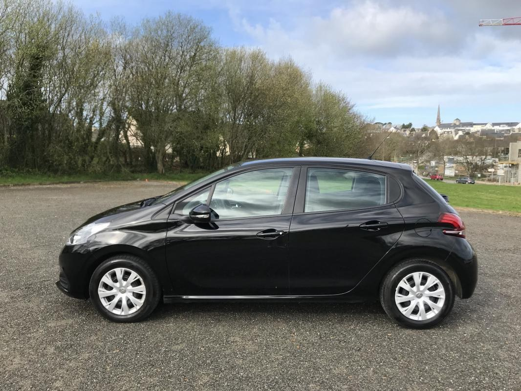 Peugeot 208 1.6 HDI 75 Active