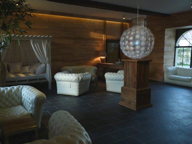 Spa pom spa de domaine de villeray hotel et spa a 2 for Hotel paris pour 2 heures