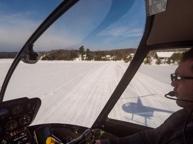 centre-de-villegiature-saint-alexis-des-monts-helicoptere-pilote