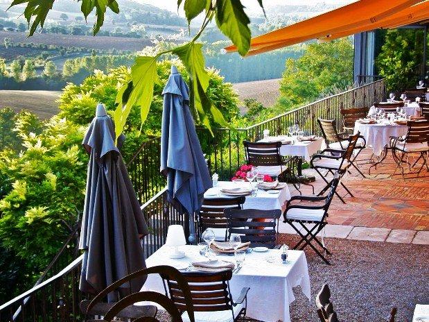 Restaurant avec terrasse et vue, CUQ EN TERRASSES