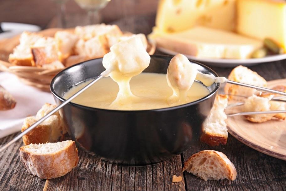 Essayez la fondue savoyarde aux 3 fromages