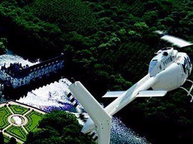 hotel-blois-centre-anne-de-bretagne-helicoptere-survol-loire-valley