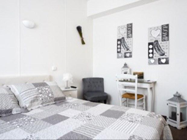 chambre-double-cote-rue-min