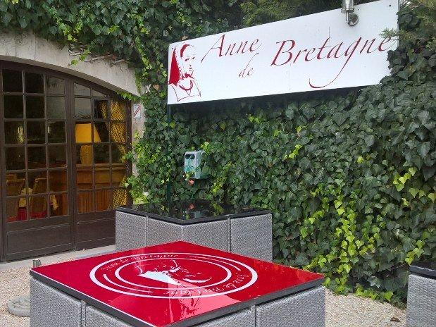 hotel-blois-centre-anne-de-bretagne-terrasse