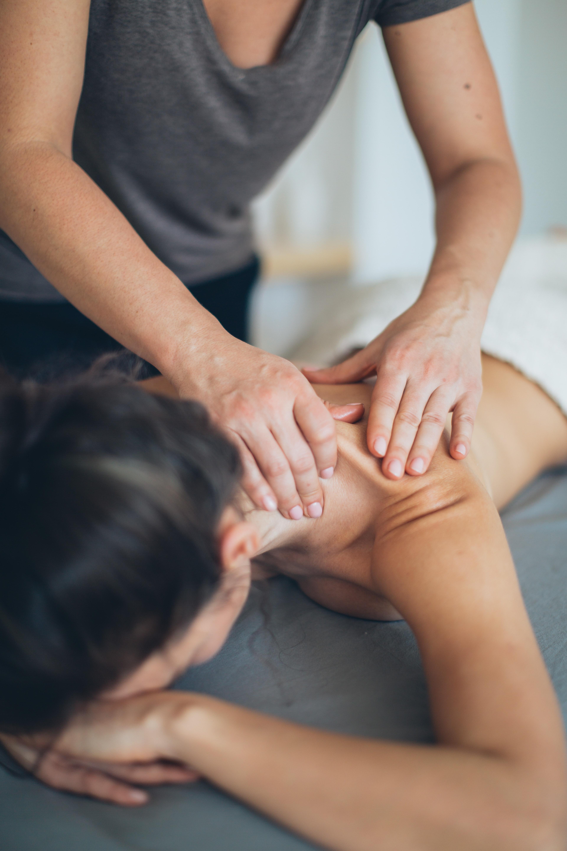 Accompagnement-parentalite-le-mans-joli-mome-massage-femme