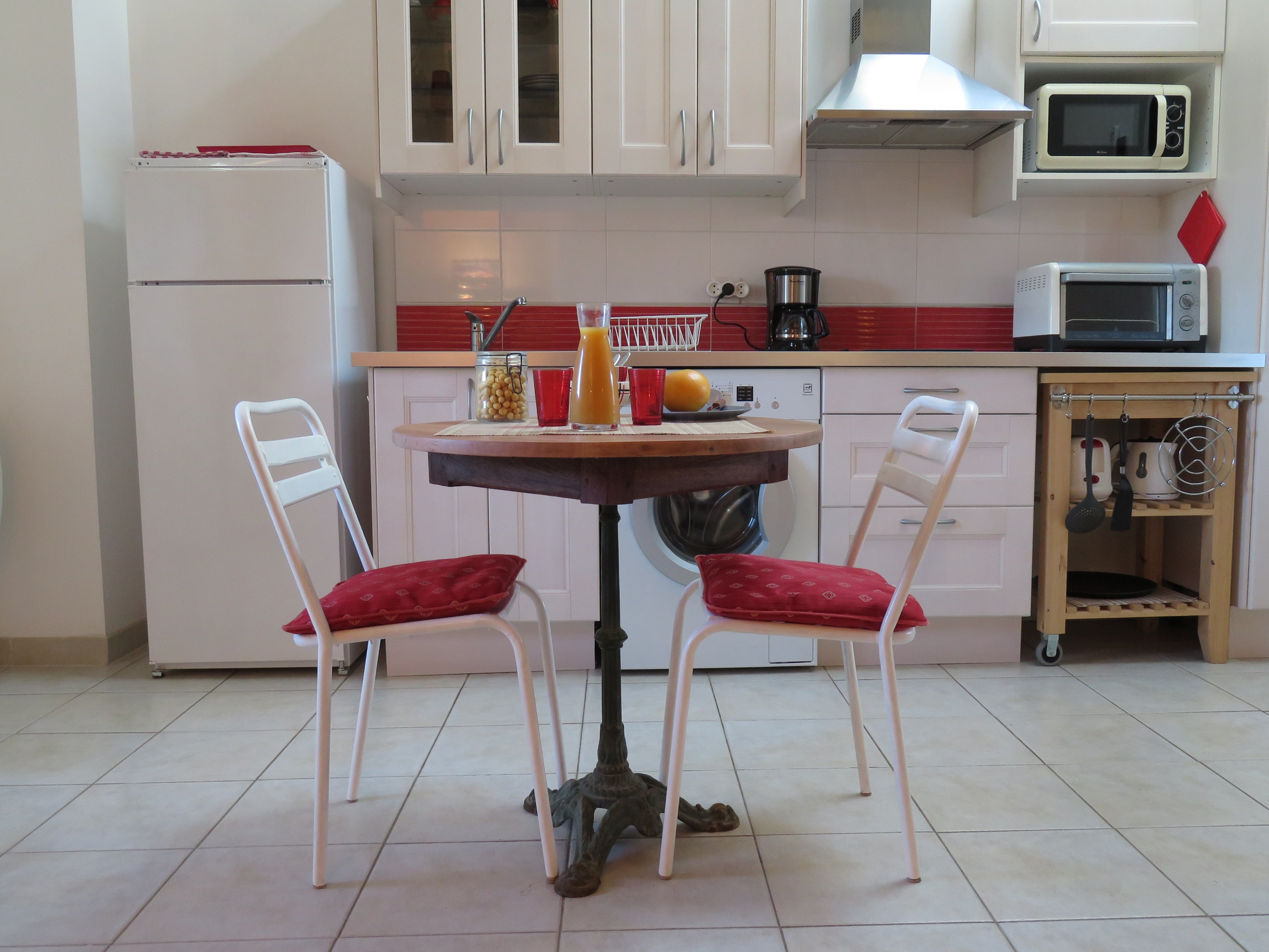 Kitchen of Roc Blanc Studio