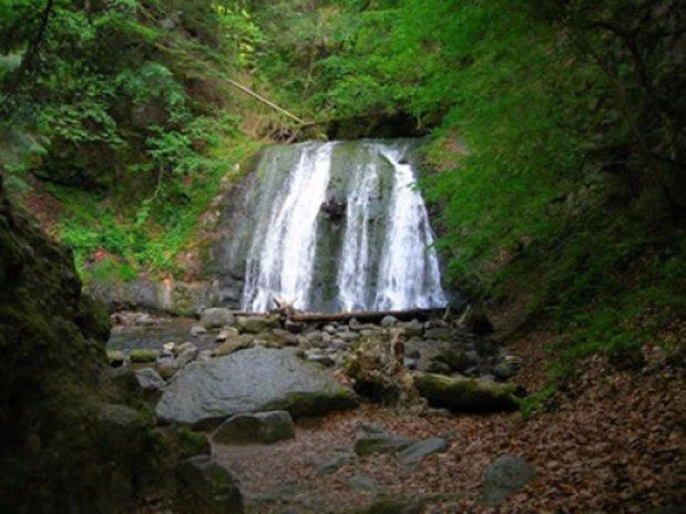 camping poutie - montagne - cascades - randonnées - auvergne - mont dore