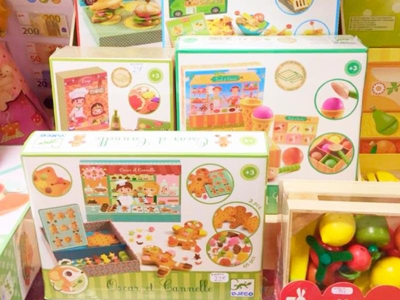 Trouvez la gamme de jouets de la marque Djeco