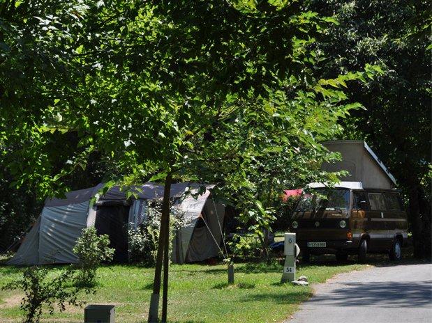 camping-montréjeau-midi pyrénées-camping familial-piscine-St bertrand de comminges-Emplacement-haute garonne