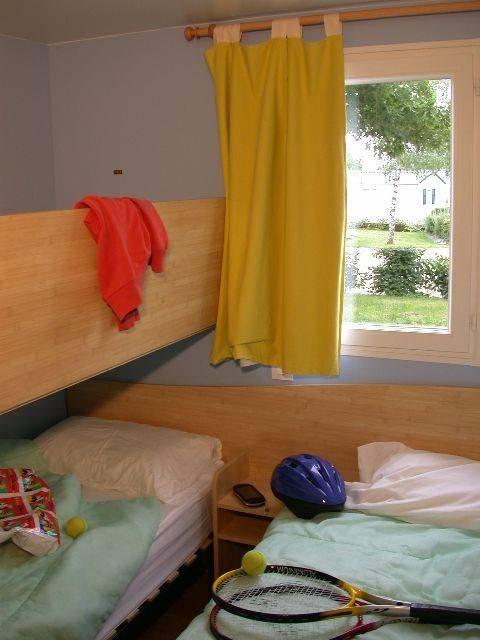 loggia confort +  chambre camping familial piscine Aveyron lac de pareloup