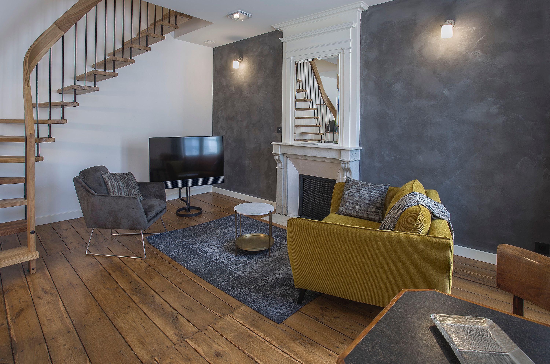 appart-hotel-angouleme-duplex-cote-est-deux-chambres-salon-tv-fauteuils