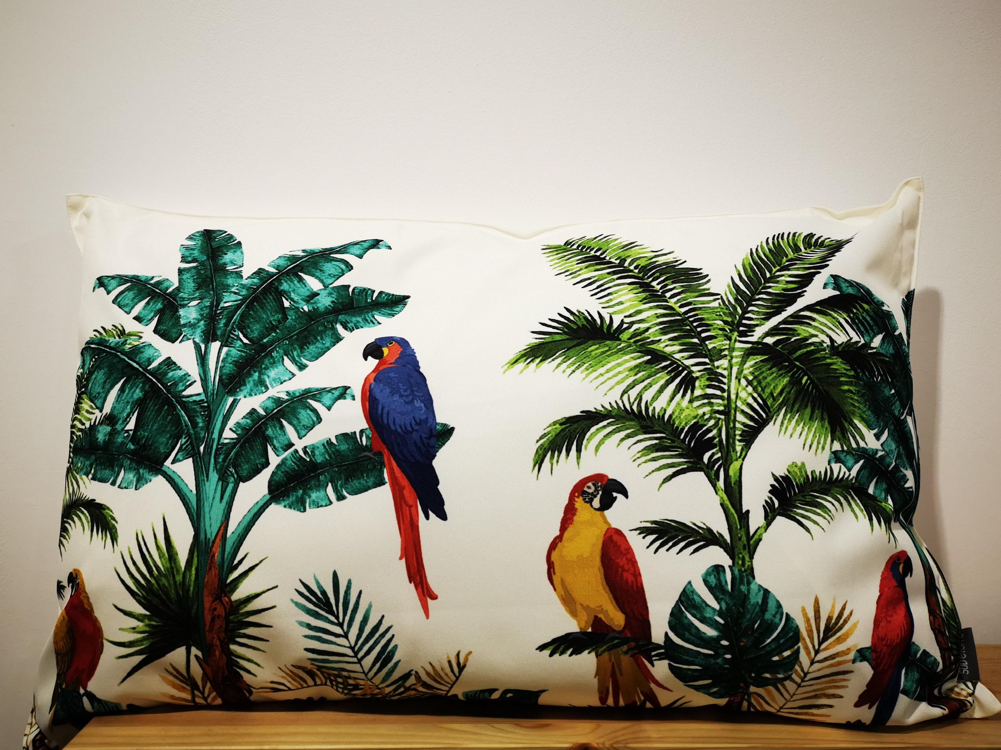 coussin perroquet couleurs d'Hélène