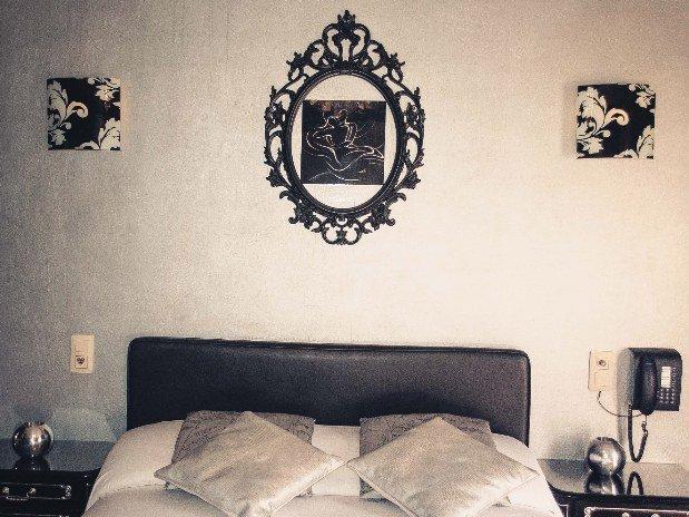 Lit Chambre double Noir et Argent Hotel Robinson