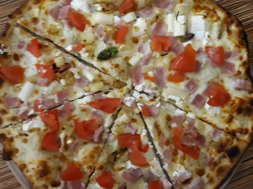 pizza chez toto pizzeria restaurateurs meslay-du-maine mayenne pizza pâtes desserts cuisine italienne soirée à thème