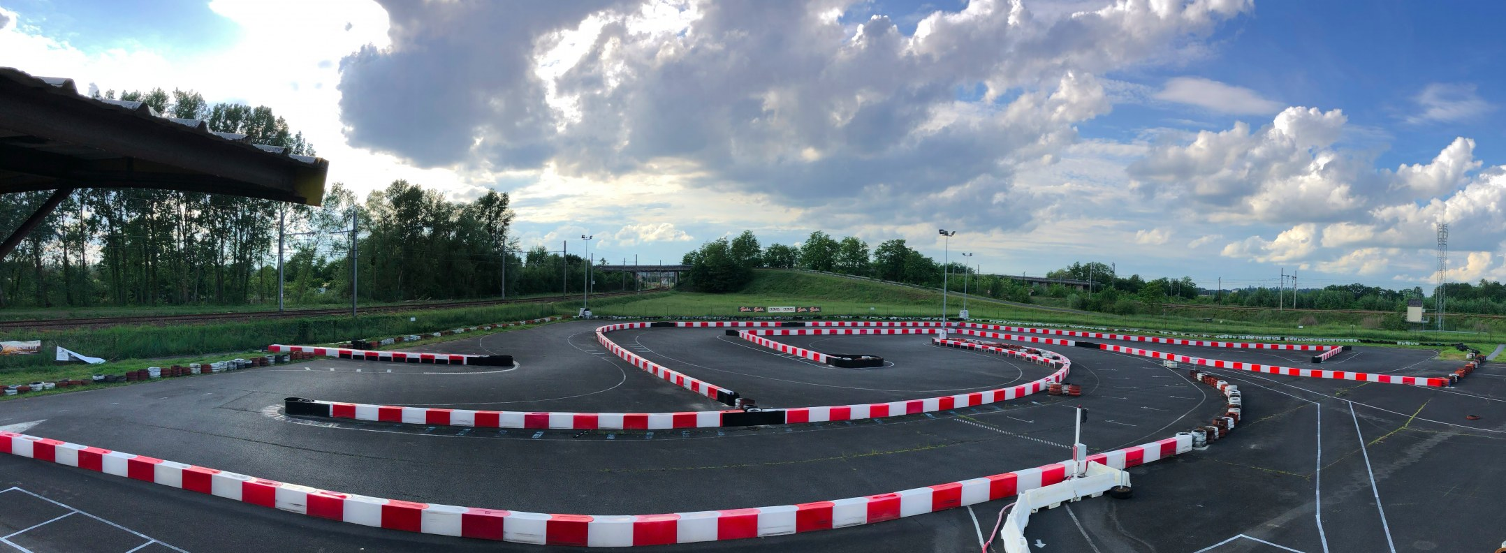 KARTING CENTER TOURS -LA PISTE