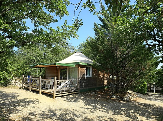 CHALET 01 camping familial nature lot piscine occitanie