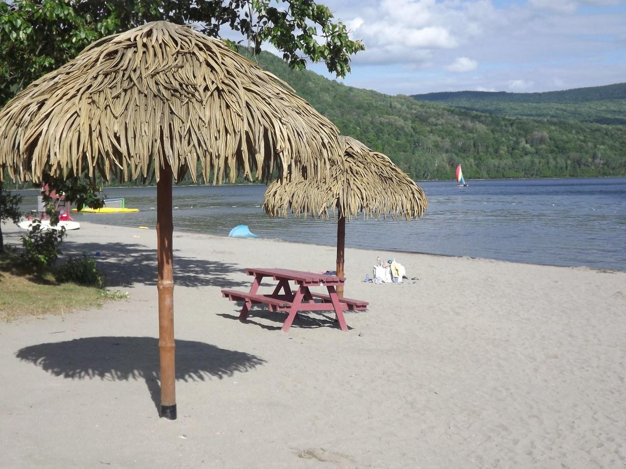 plage-pohénégamook-hébergement-lac