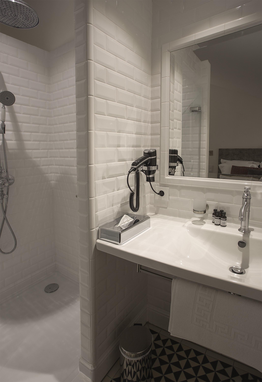 appart-hotel-angouleme-duplex-cote-cour-salle-de-bain