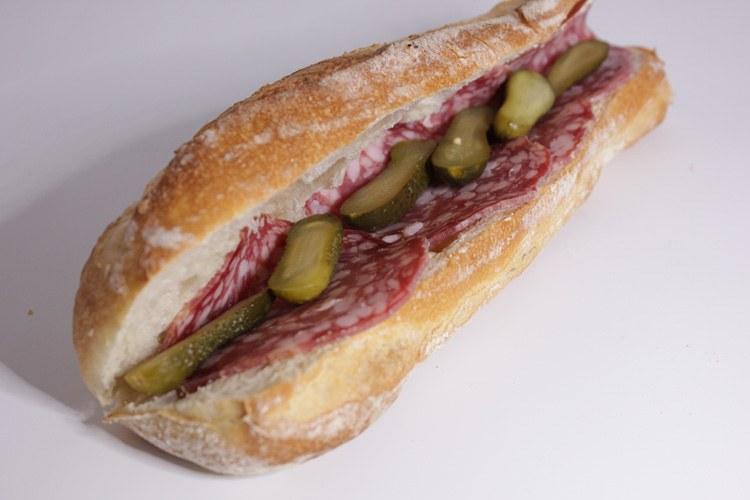 Sandwich au saucisson