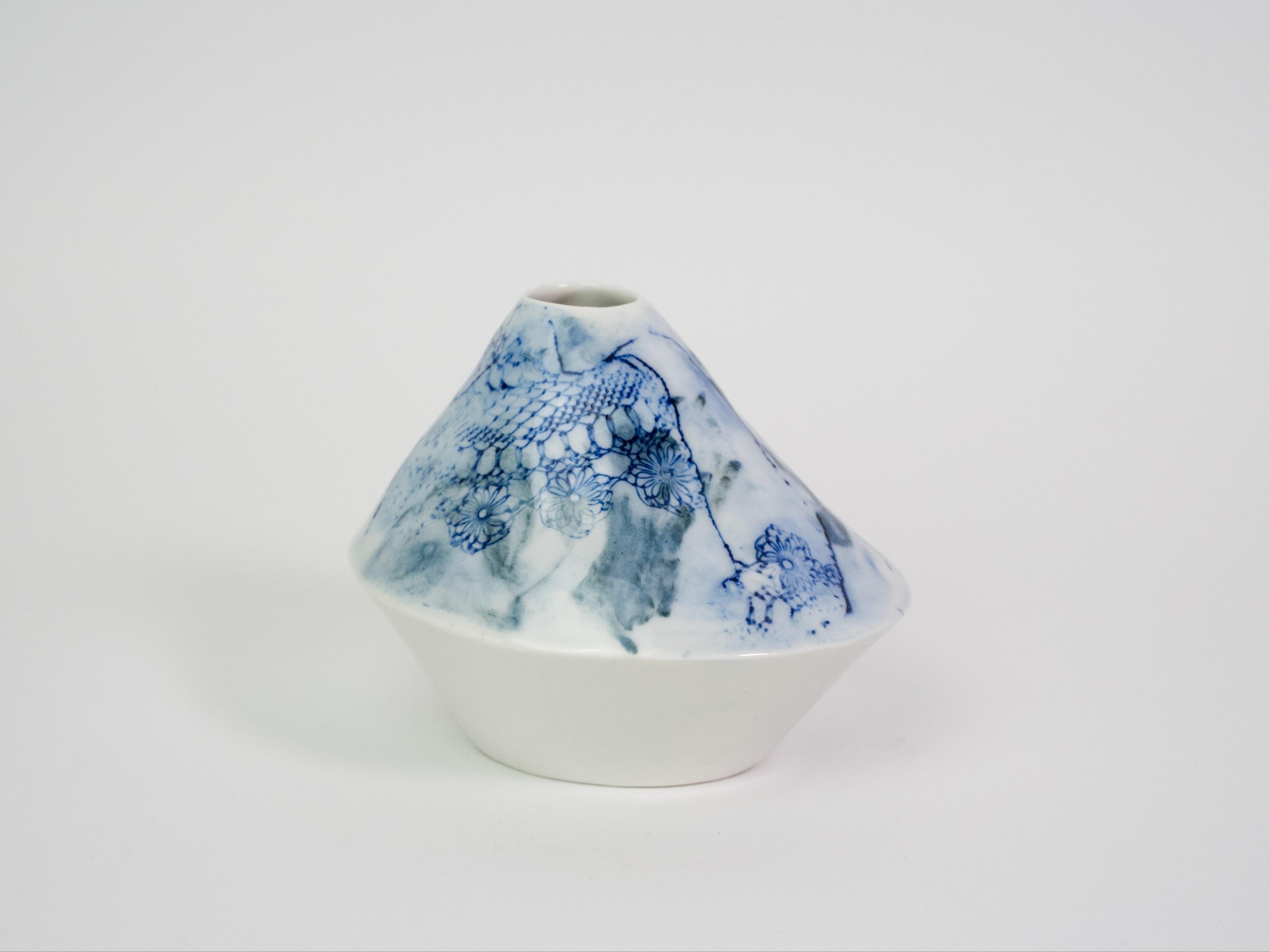Collection Burano- Soliflore triangle  dentelle colorée- Couleur Bleu