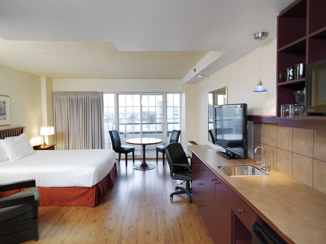 Hotel-boulevard-laurier-quebec-queen-balcon