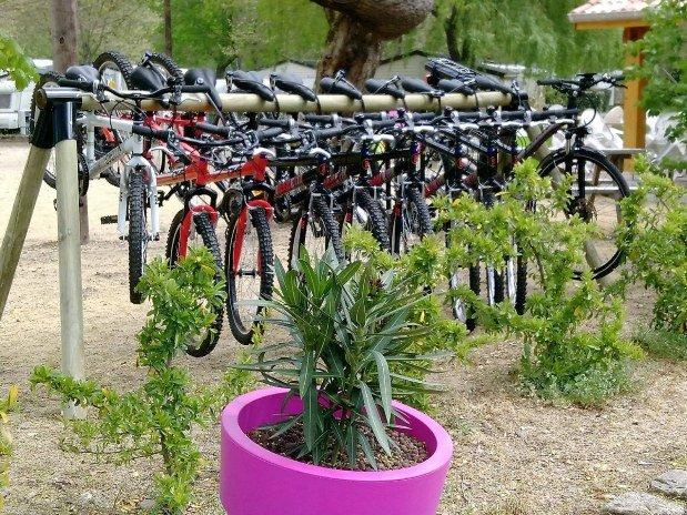 Locations vélos camping de retourtour 3 étoiles bord de rivière ardèche verte