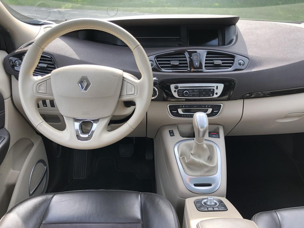 Renault Scénic 1.5 DCI 110 Initiale