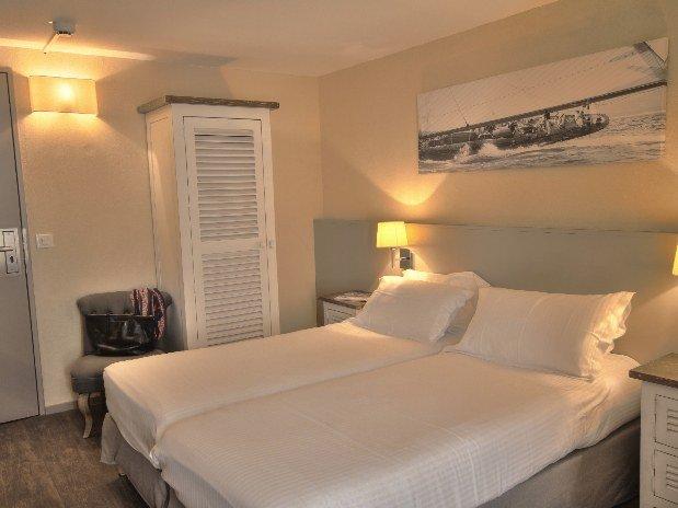 chambre lit jumeaux- twins - hotel - normandie - pont l'eveque
