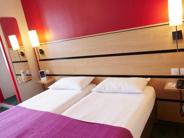 chambre lits jumeaux hotel Kyriad canal saint martin