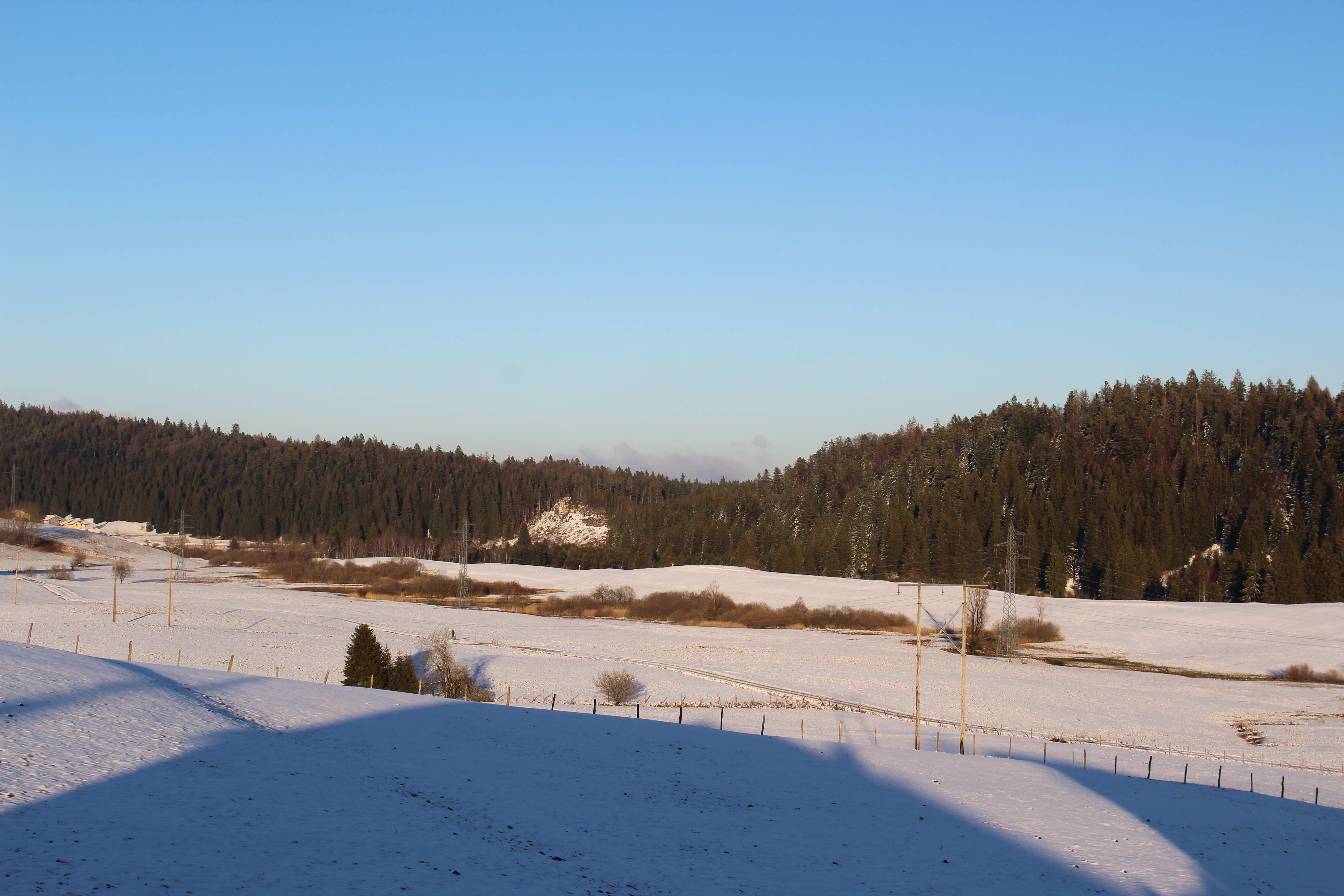 gite-groupe-jura-duche-vue-nature-neige