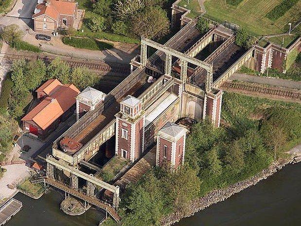 L'ascenseur à bateau des fontinettes à Arques
