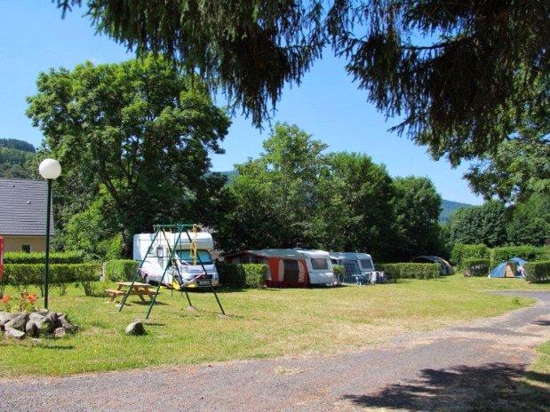 emplacements camping - camping car - la bourboule - poutié