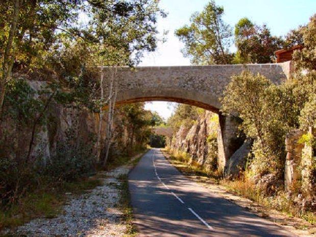 randonnées - voie verte - junas - sommières -camping l'olivier- nimes